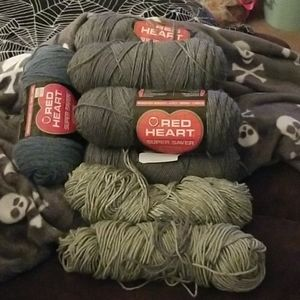 New 6 Skeins of Super Saver Yarn Gray